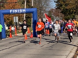 WCHS Students Organize Community 5 K for Local Heroes